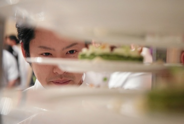A chef preps dessert at the finale in Kulm Hotel