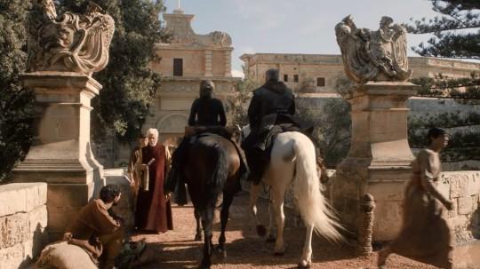 Catelyn Stark arrives at King's Landing/Mdina Gate